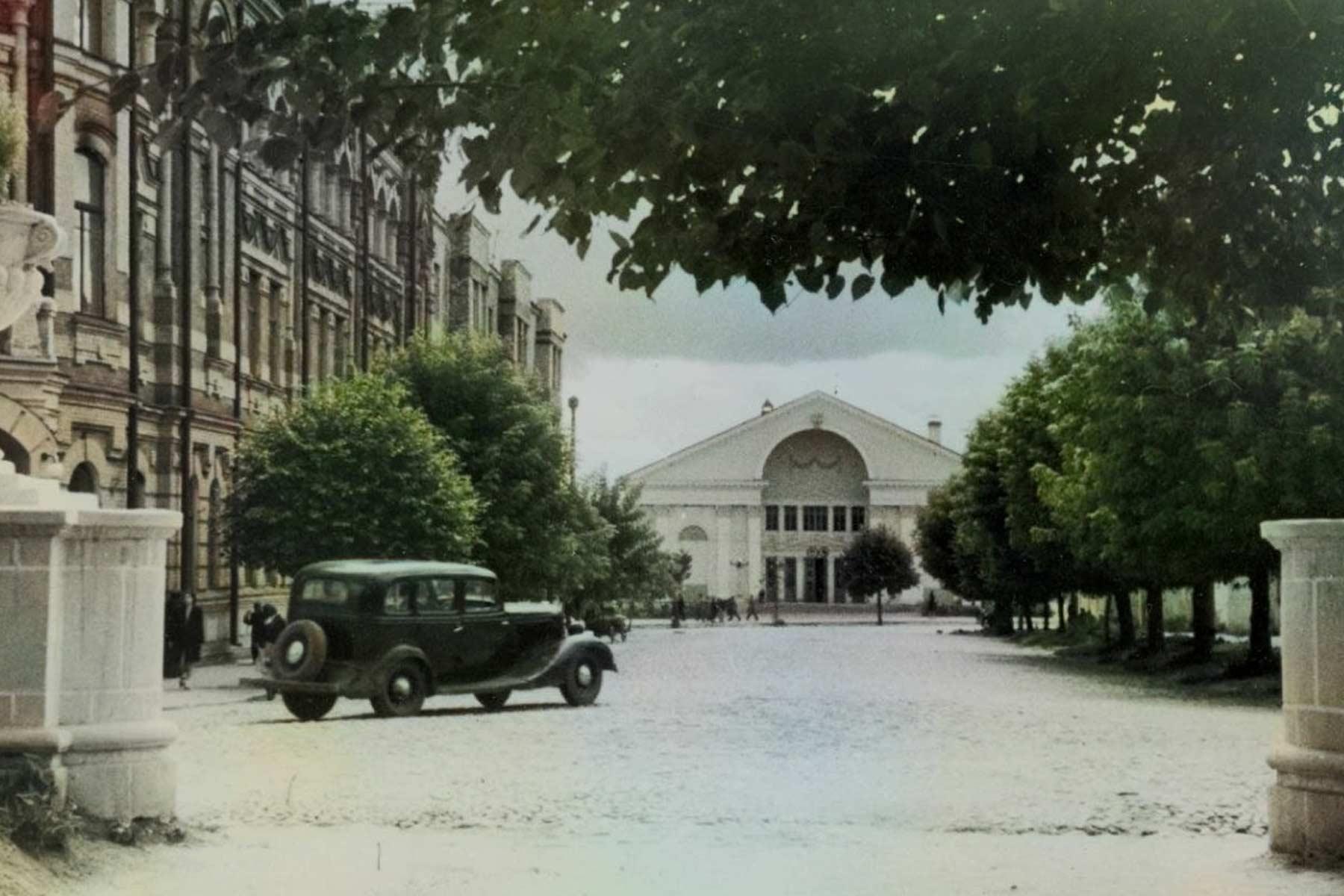 Приглашаем на экскурсию по истории послевоенного Брянска